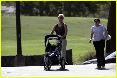britney spears stroller09
