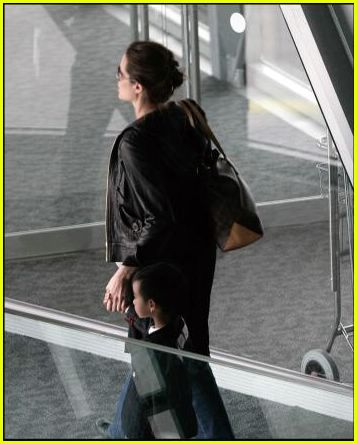 brad angelina airport83