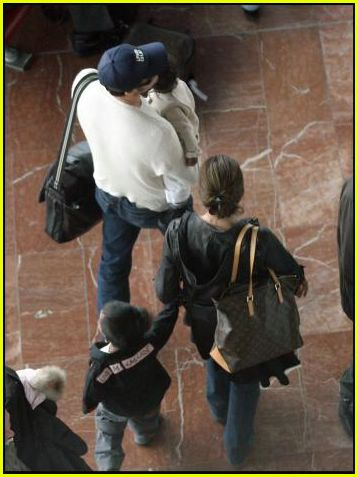 brad angelina airport88