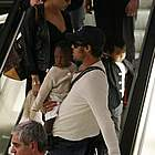 brad angelina airport13