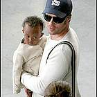 brad angelina airport45
