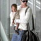 brad angelina airport54