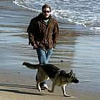 jake gyllenhaal beach09