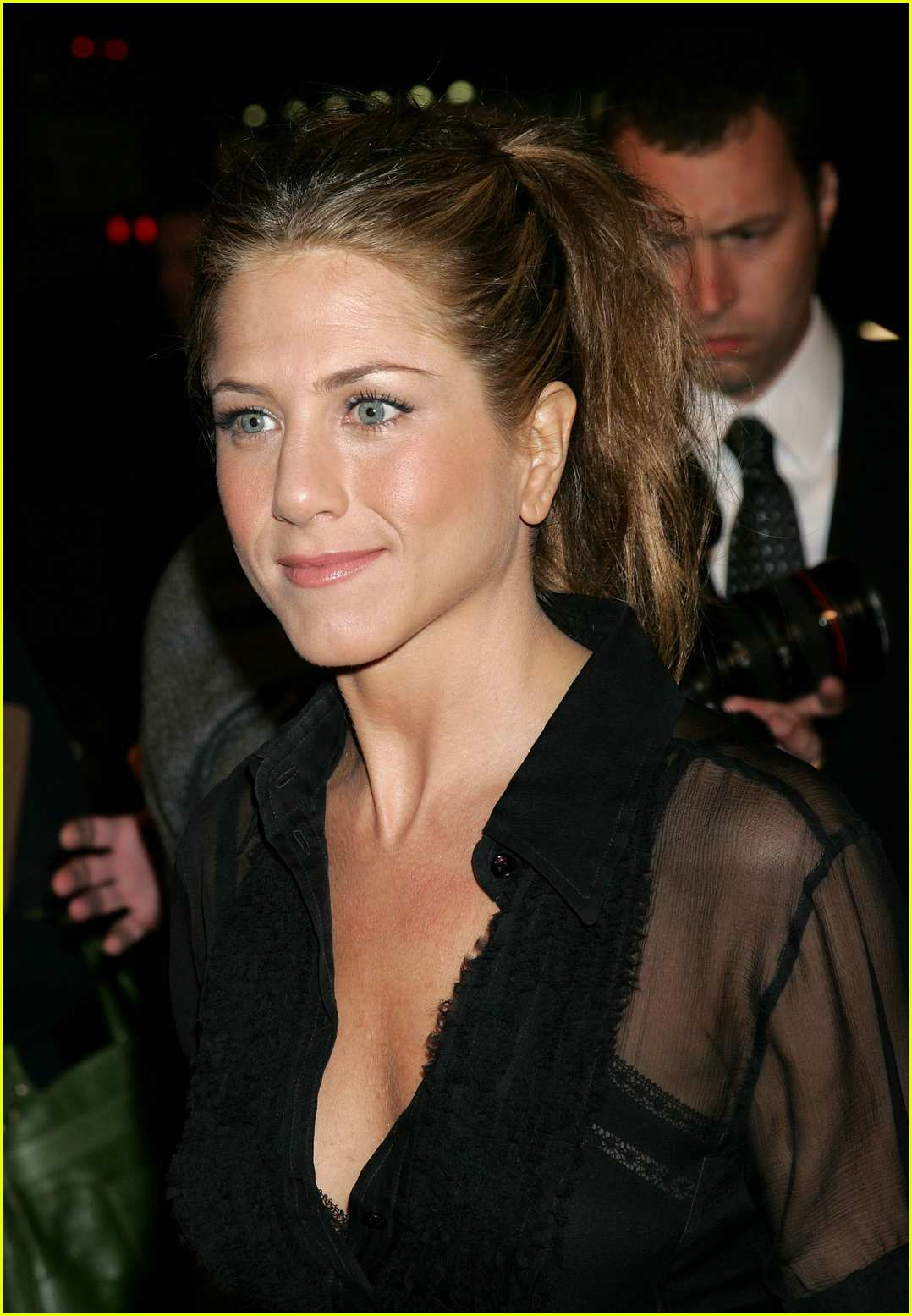 jennifer aniston friends with money12
