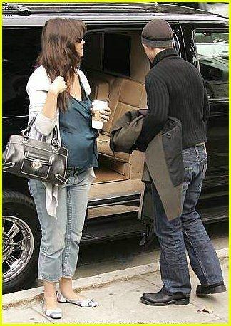 katie holmes pregnant06 Katie Holmes pregnant
