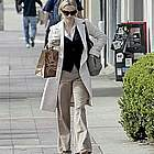 reese witherspoon jogging coffee10