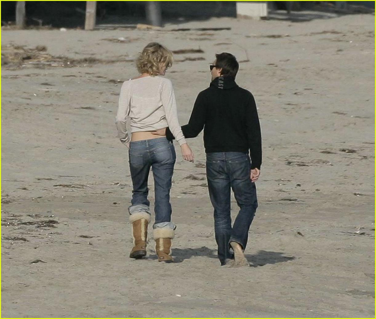 Charlize Theron Beach Pictures: Photo 282381 | Charlize ...