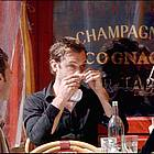 jude law eating07