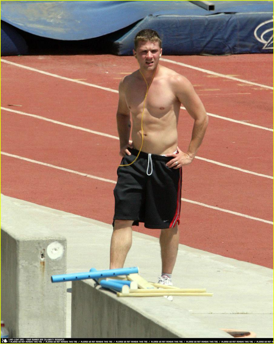 ryan phillippe working out26
