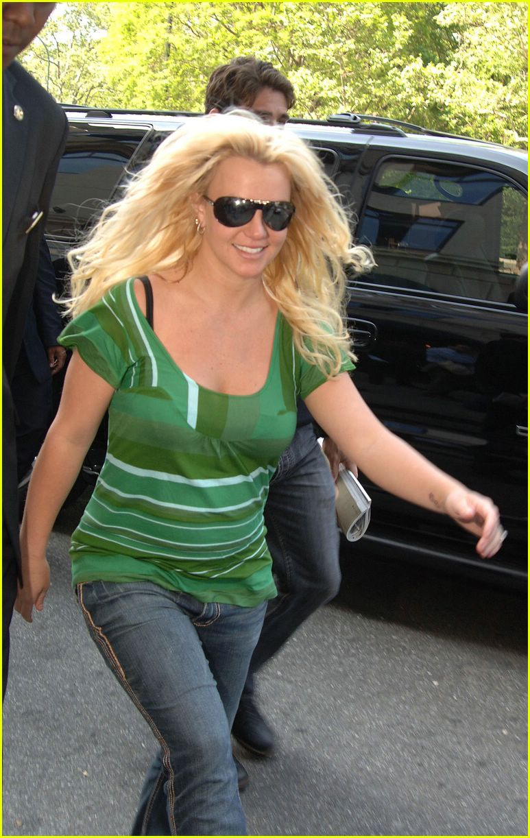 britney spears crying22