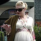 gwen stefani maternity clothes03