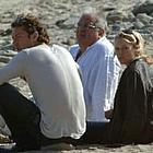 jude law sienna miller beach04