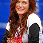 julianne moore revlon cancer walk 2006 03