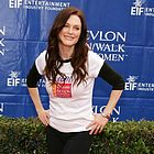 julianne moore revlon cancer walk 2006 08