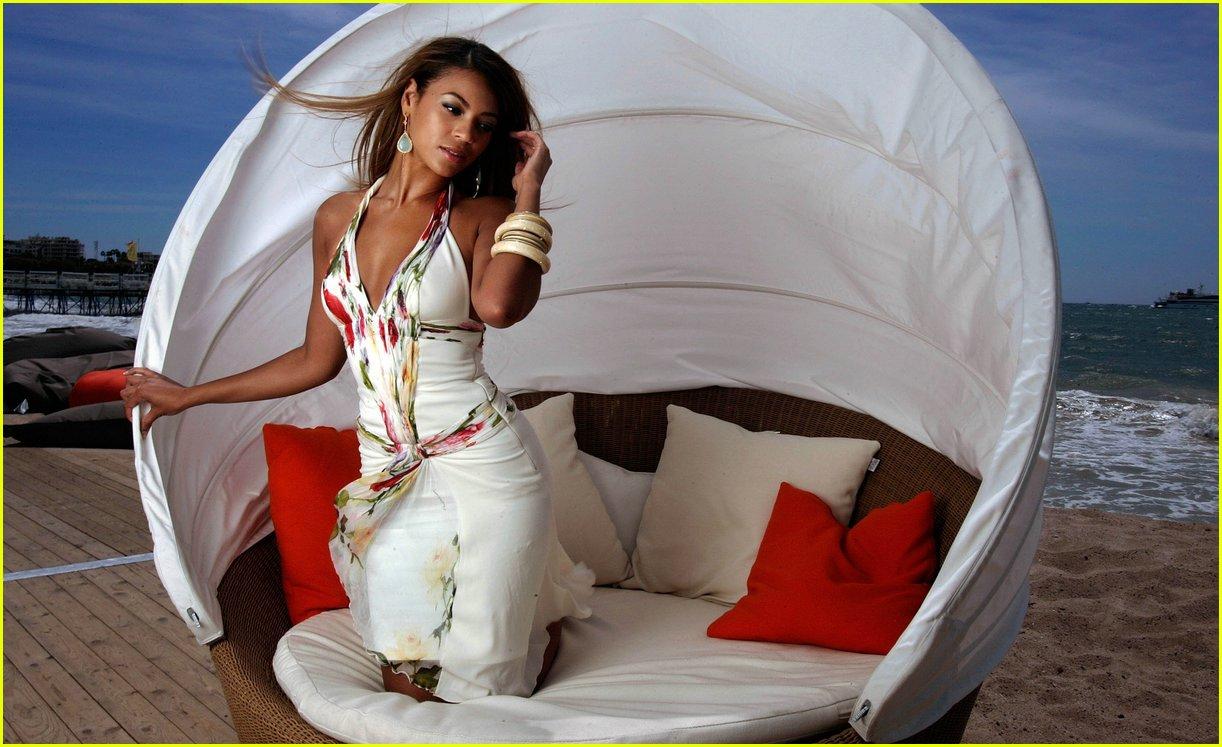 Listen Beyonce Deja Vu Ft Jay Z Mp3 download - Beyoncé ...
