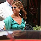 jennifer aniston engaged01