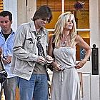 jim carrey jenny mccarthy holding hands03