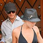 jude law sienna miller eating lunch05