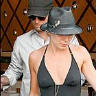jude law sienna miller eating lunch10