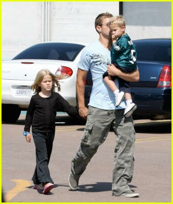 Pics Photos - Ryan Phillippe Takes Kids To The Movies Ryan Phillippe Children