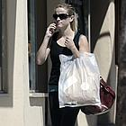 reese witherspoon shopping 04