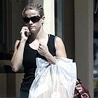 reese witherspoon shopping 05