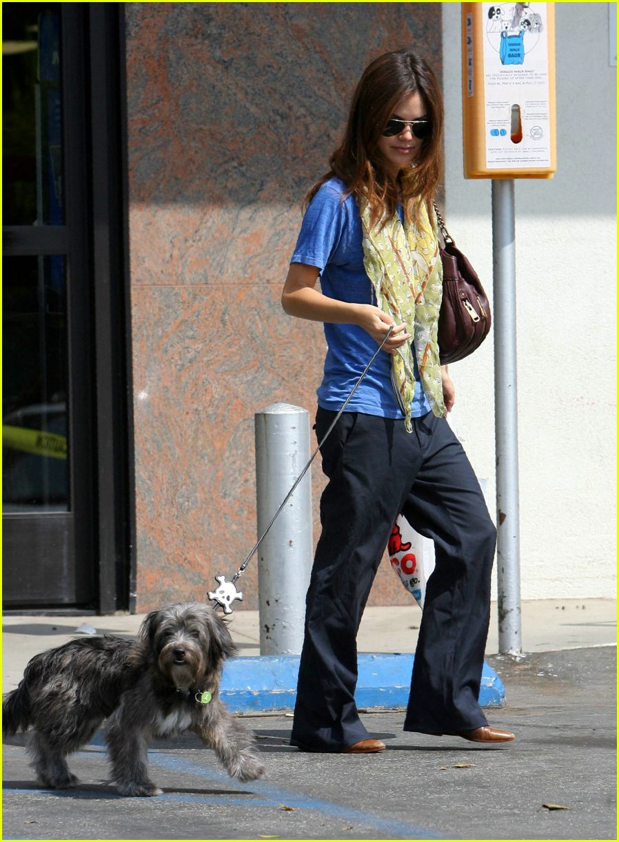 rachel bilson dog 07