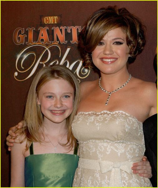kelly clarkson dakota fanning 24