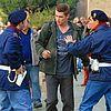 http://cdn02.cdn.justjared.comhayden-christensen-rachel-bilson-holding-hands-05.jpg