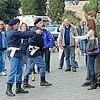 http://cdn03.cdn.justjared.comhayden-christensen-rachel-bilson-holding-hands-06.jpg
