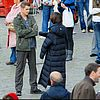 http://cdn03.cdn.justjared.comhayden-christensen-rachel-bilson-holding-hands-10.jpg