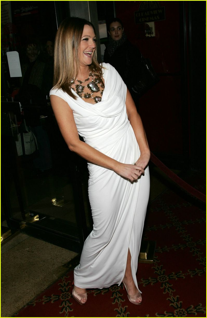 Full Sized Photo of dr... Drew Barrymore