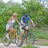kate hudson owen wilson bike riding 03