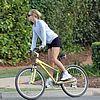 kate hudson owen wilson bike riding 07