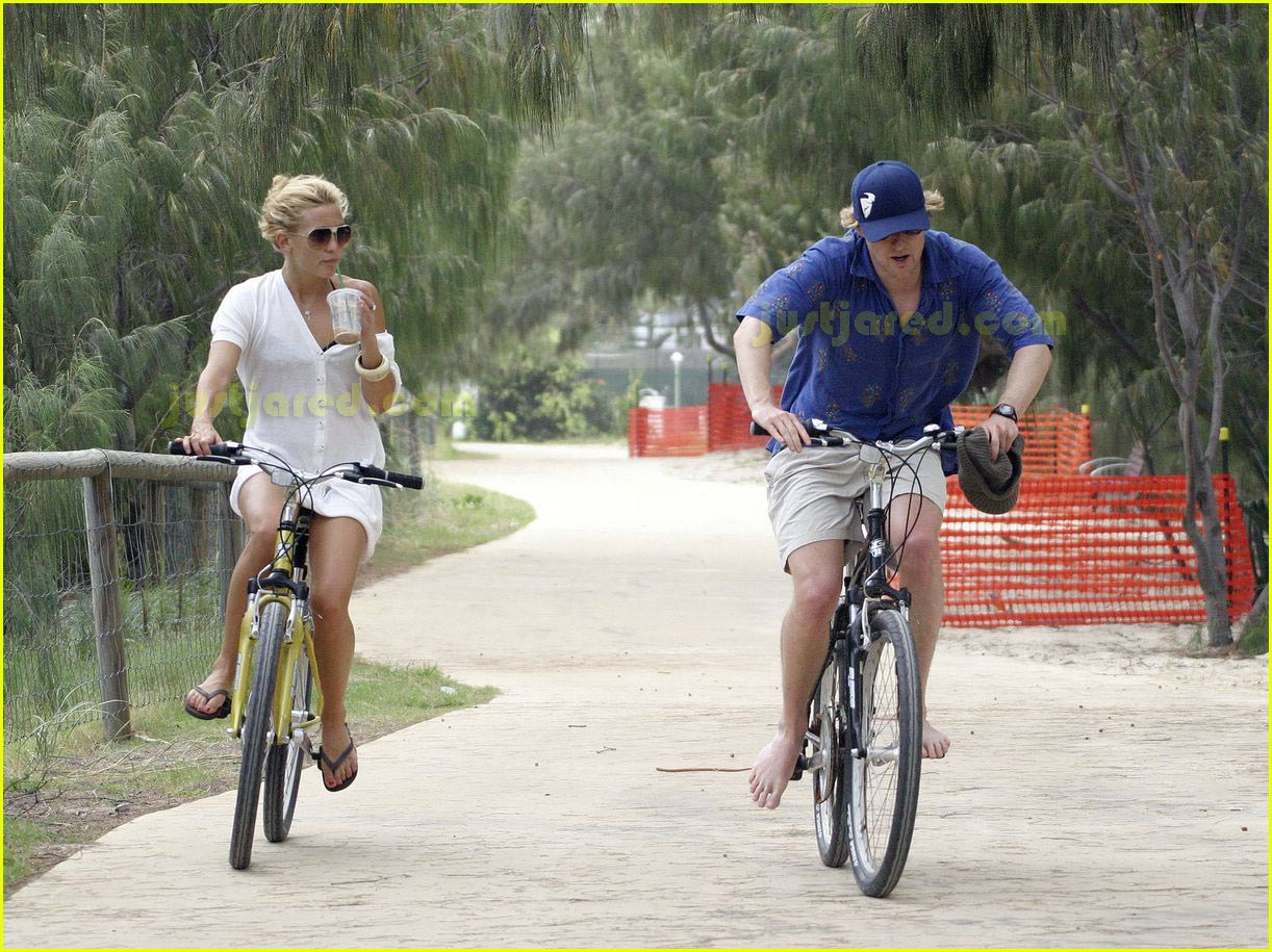 kate hudson owen wilson bike ride 03