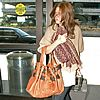 http://cdn02.cdn.justjared.commandy-moore-airport-05.jpg