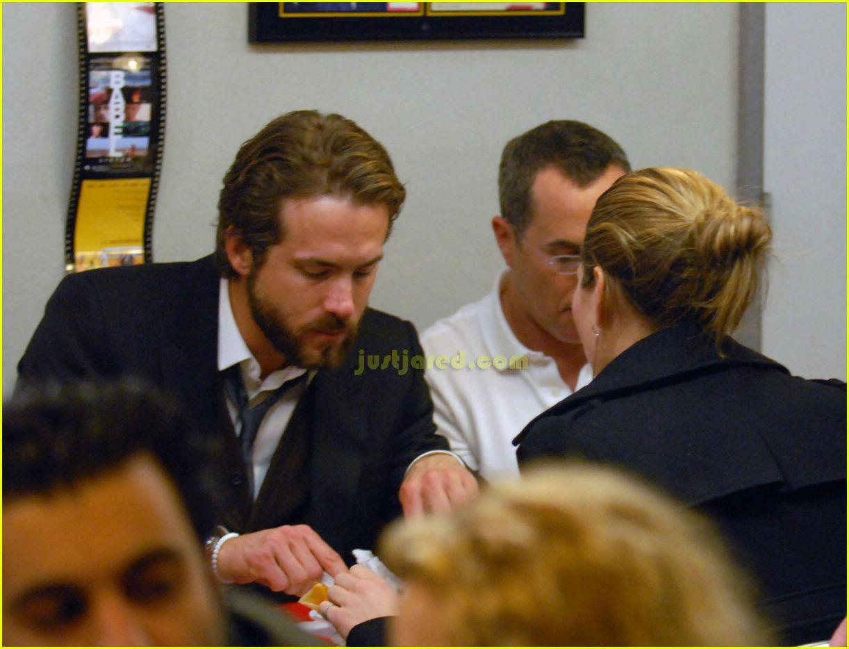 Ryan Reynolds and Jessica Biel - Dating Gossip News Photos