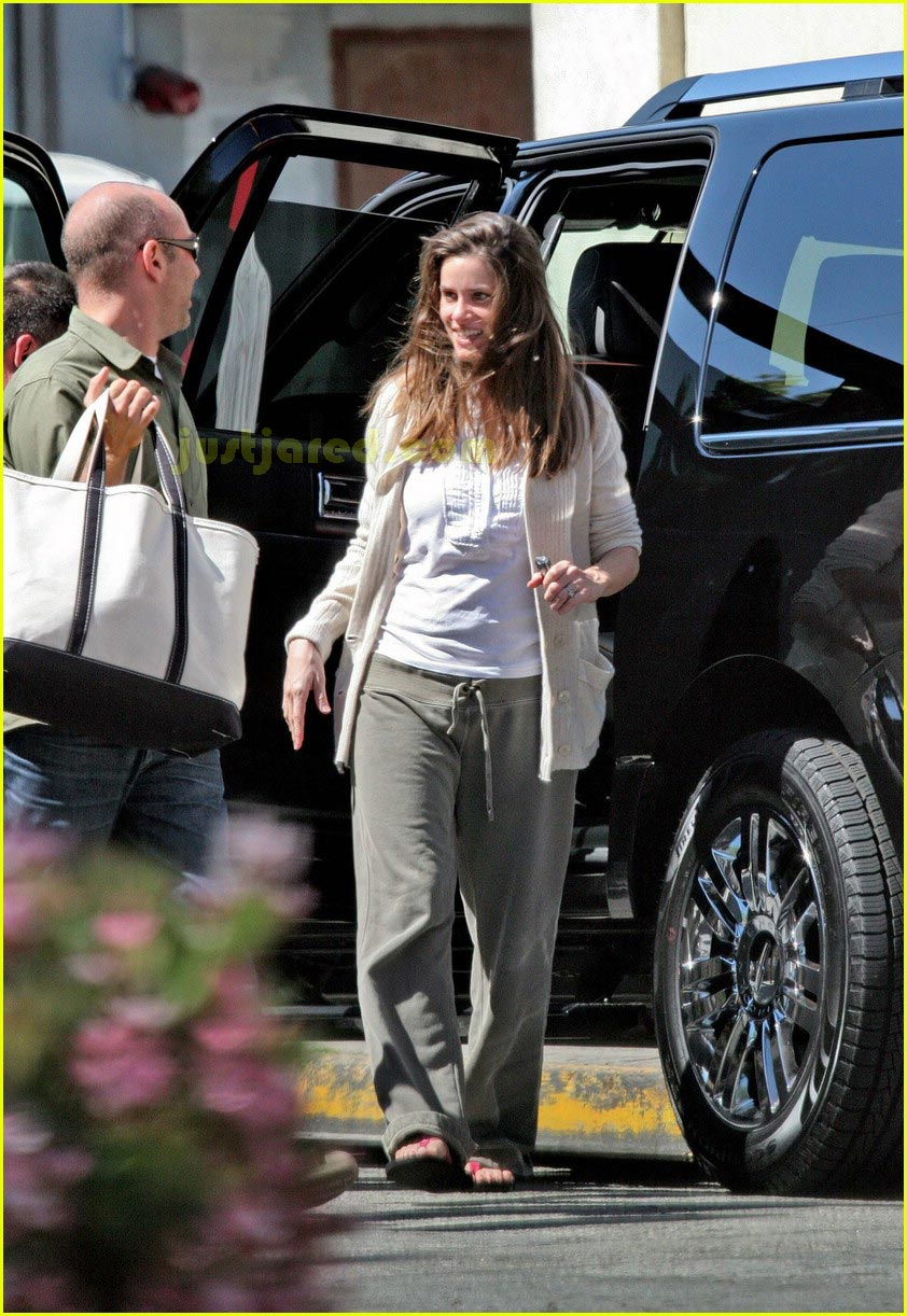 amanda peet post pregnancy 01