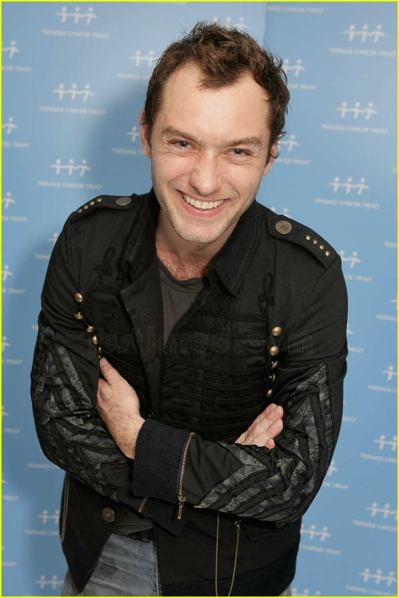 jude law teenage cancer trust 01