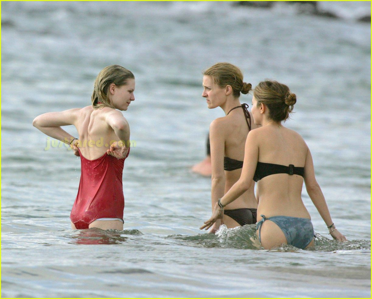 kirsten dunst bikini 15