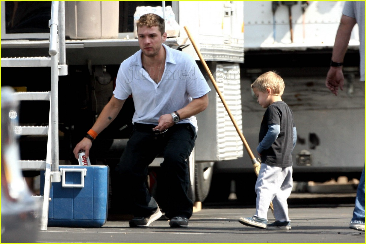 deacon phillippe ryan phillippe son 02