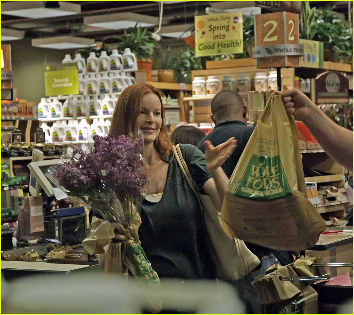 marcia cross grocery shopping 05