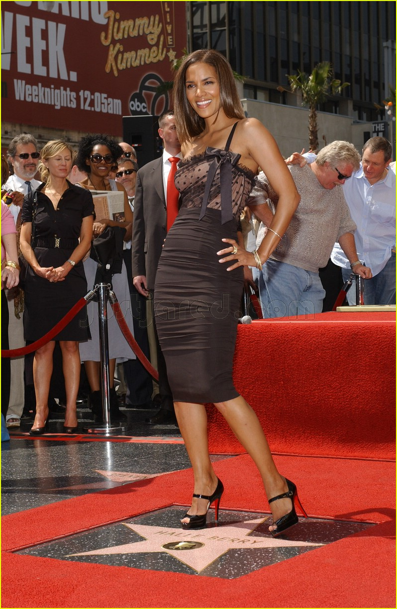 halle berry mom hollywood walk of fame star 3088201