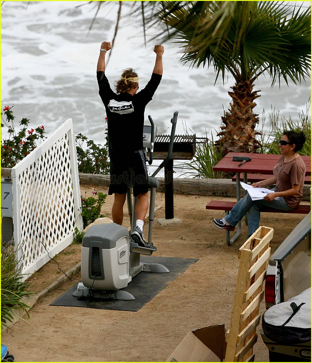 matthew mcconaughey elliptical exercise machine 08