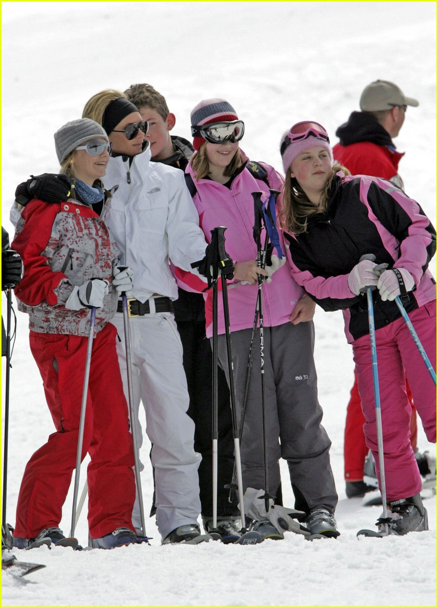 posh beckham skiing 01