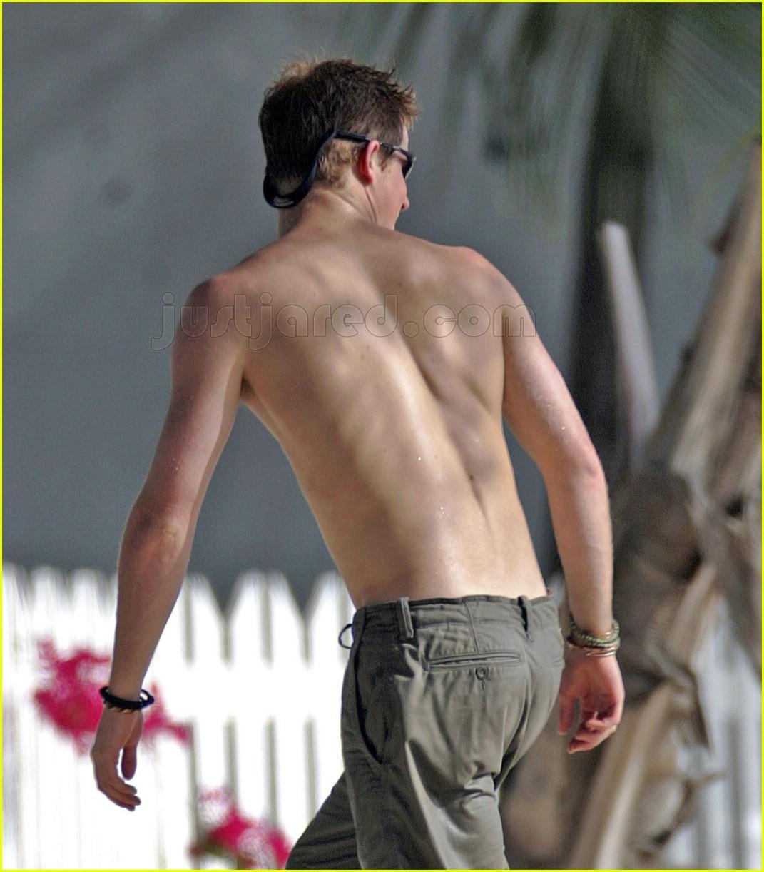 prince harry back shirtless 01