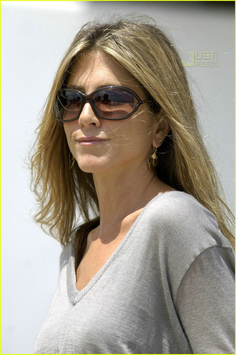 jennifer aniston memorial day 2007 13