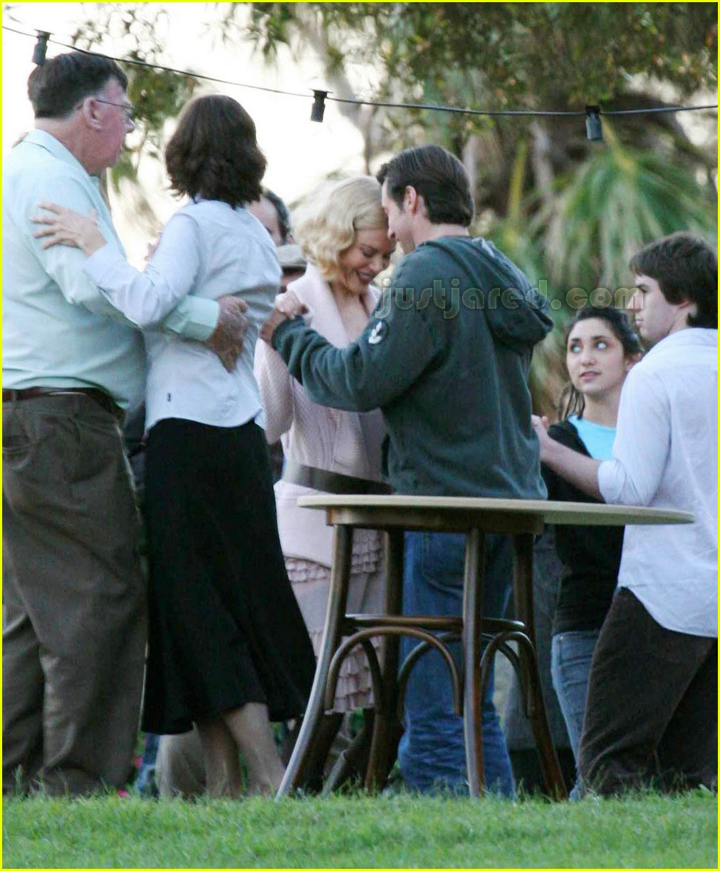 nicole kidman hugh jackman set of australia 01