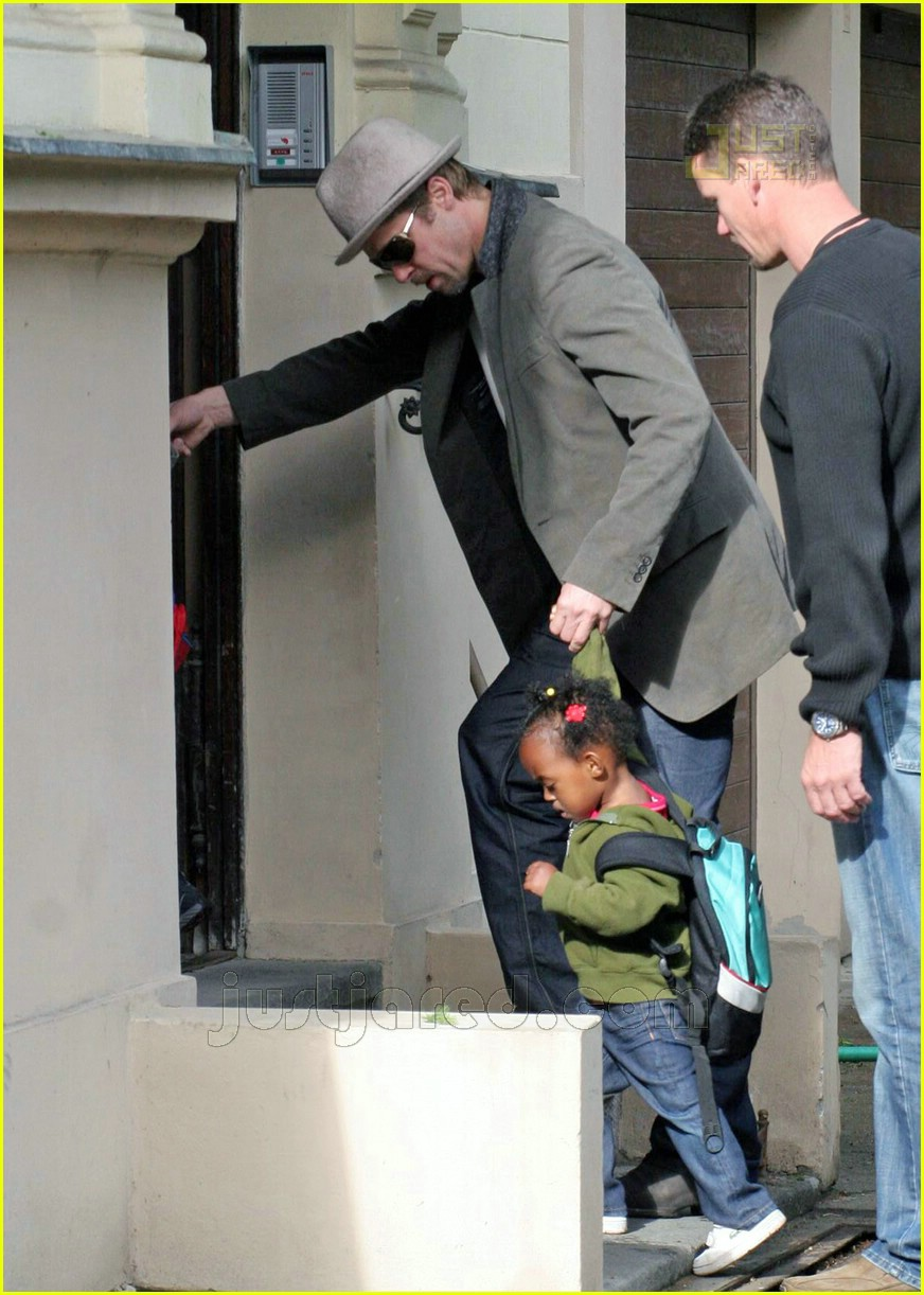brad pitt dropping off kids 06