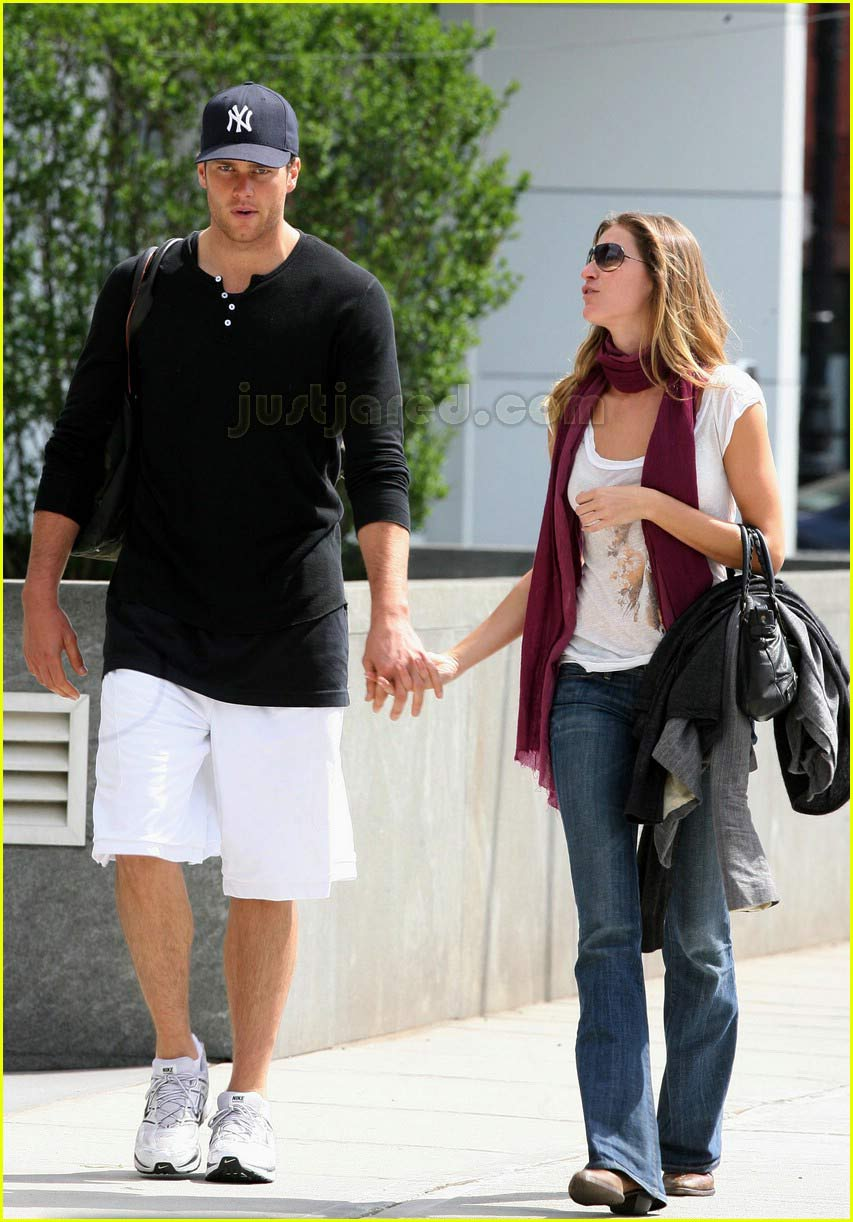 tom brady gisele bundchen holding hands